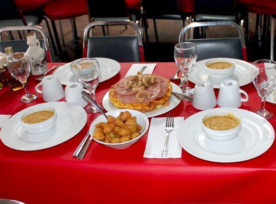 farsa-erabliere-table-cabane-a-sucre-min